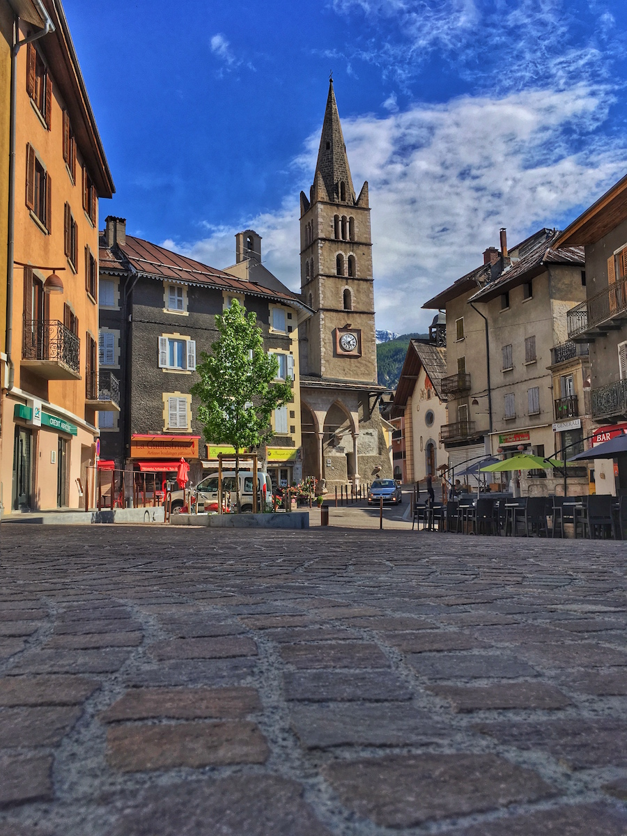 Place et Eglise Guillestre