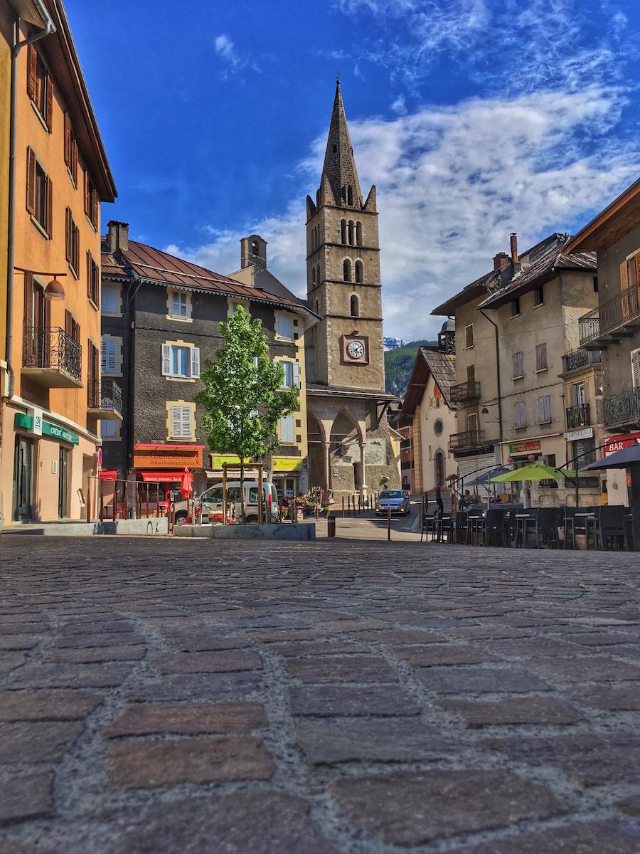 Place et Eglise Guillestre